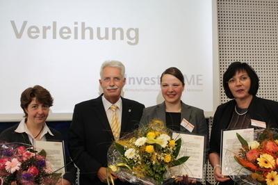 Landrat Hendele und die ausgezeichneten Unternehmerinnen Beate Kandler, Gabriele Winters und Monika Norden (v.l.)