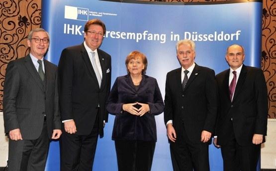 IHK-Präsident Ulrich Lehner, Oberbürgermeister Dirk Elbers, Bundeskanzlerin Angela Merkel, Landrat Thomas Hendele, IHK-Hauptgeschäftsführer Udo Siepmann (Foto: Paul Esser)