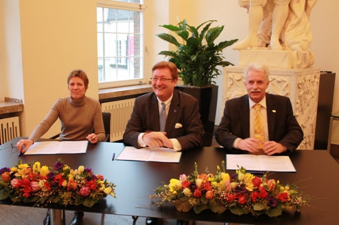 Claudia Diederich, Geschäftsführerin der Zukunftswerkstatt Düsseldorf GmbH, Dirk Elbers, Oberbürgermeister der Landeshauptstadt Düsseldorf und Landrat Thomas Hendele