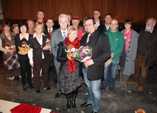 Landrat Thomas Hendele mit allen Kandidaten und den Juroren